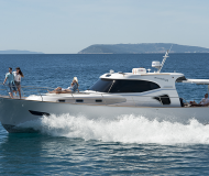 Yacht Issa 45 for hire in Stobrec Port