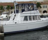 Yacht Mainship 43 Trawler Yachtcharter in Marinatown Yachthafen
