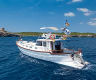 Motor yacht Menorquin 150 for rent in Port de Mahon