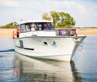Motor yacht Nautika 1300 for rent in Wilkasy Marina