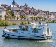 Motor yacht Penichette 1020 for charter in Joigny