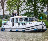 Houseboat Penichette 1180 for hire in Marina Briare