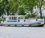 Motor yacht Penichette 1260 for rent in Briare
