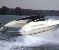 Motor yacht Performance 707 for hire in Bardolino