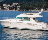 Yacht Prestige 42 chartern in ACI Marina Dubrovnik