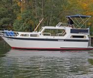 Proficiat 1050 Motoryacht Charter Waren