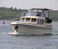 Yacht with 2 cabins for rent in Waren
