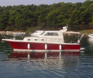 Motor yacht Rab 880 available for charter in Pula