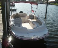 Motor yacht Stardeck 1915 available for charter in Cape Coral