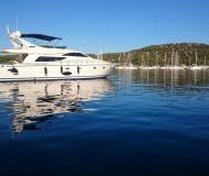 Motoryacht Uniesse 70 chartern in Skradin