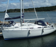Sailing yacht Bavaria 30 Cruiser available for charter in Lidingoe