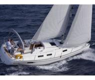 Sailing boat Bavaria 32 Cruiser available for charter in Trapani