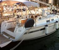 Sailing boat Bavaria 32 Cruiser for rent in Portisco