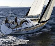 Yacht Bavaria 34 Cruiser for hire in Marina Kroeslin