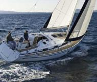 Sailing yacht Bavaria 34 Cruiser for hire in Marina Lindholmen