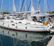 Sailing yacht Bavaria 36 Cruiser available for charter in Betina