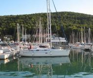 Yacht Bavaria 37 Cruiser for rent in Split