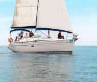 Yacht Bavaria 37 Cruiser for rent in Barcelona