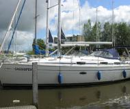 Sail boat Bavaria 37 Cruiser available for charter in Lemmer