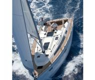 Sailing boat Bavaria 41 Cruiser for charter in Naples