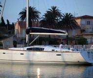 Yacht Beneteau 43 for rent in Marina de Lagos