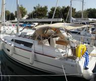 Yacht Dufour 382 Grand Large for rent in Athens