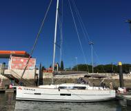 Sailing yacht Dufour 382 Grand Large for hire in Arona