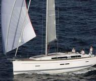 Yacht Dufour 405 Yachtcharter in Yachthafen Pile