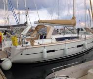 Sailing boat Dufour 412 for rent in Tropea