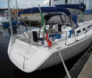 Yacht Dufour 425 Grand Large for hire in Piombino