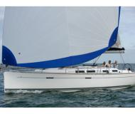 Sailing yacht Dufour 425 Grand Large for charter in Porto di Marina di Ragusa