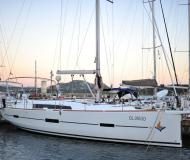 Yacht Dufour 460 Grand Large for rent in Portisco