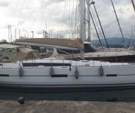 Yacht Dufour 460 Grand Large for hire in Lefkas Marina
