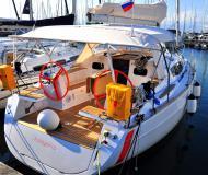 Segelyacht Elan 354 Impression chartern in Izola