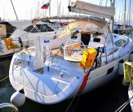 Yacht Elan 444 Impression chartern in Marina Izola