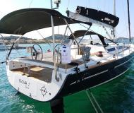 Yacht Elan 450 Performance Yachtcharter in Marina Hramina