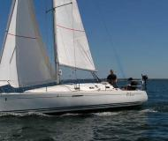 Segelboot First 31.7 chartern in La Rochelle