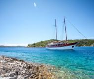 Sailing yacht Gulet available for charter in Stobrec Port