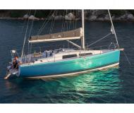 Sailing yacht Hanse 315 for rent in Cogolin