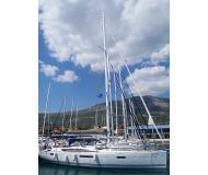 Yacht Jeanneau 53 chartern in Marina Seget Donji