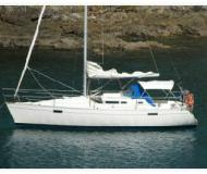 Yacht Oceanis 320 available for charter in Bay of Islands Marina