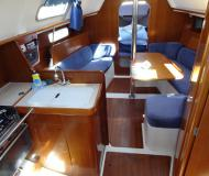 Sail boat Oceanis 321 available for charter in Nanaimo