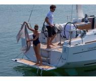 Yacht Oceanis 35 for rent in Pomer