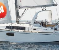 Yacht Oceanis 350 for rent in Road Town
