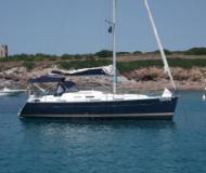 Sailing yacht Oceanis 37 for rent in Marina di Sant Elmo