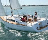 Segelboot Oceanis 37 chartern in Tourlos