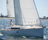 Sail boat Oceanis 37 for rent in Cala d Or
