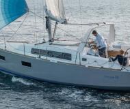 Segelyacht Oceanis 38 Yachtcharter in Hafen von Hyeres