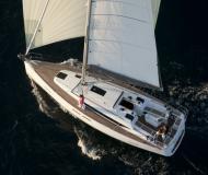 Segelboot Oceanis 381 chartern in Cannigione Marina