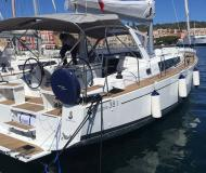 Sailing yacht Oceanis 38 for charter in Alghero